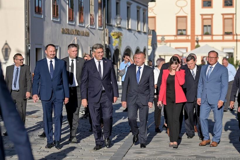 Premijer Plenković u Varaždinskoj županiji: 'Osiguravamo 15 milijardi kuna za sjever Hrvatske'