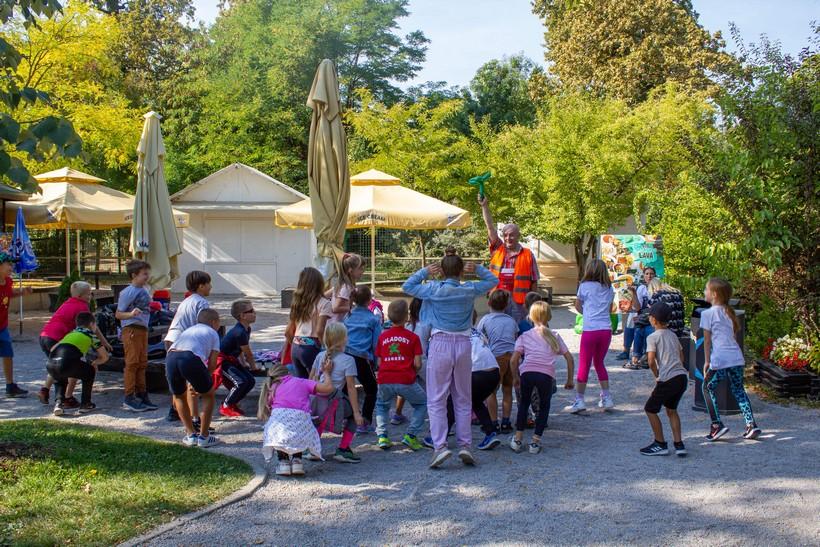 Uz zebru i humor osnovnoškolci u Zoološkom vrtu učili o sigurnosti u prometu