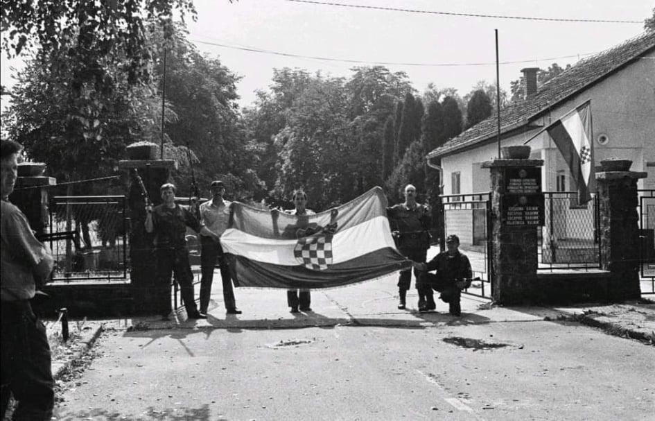 """17. RUJNA 1991. Križevačka vojarna – jedna od prvih oslobođenih vojarni u Hrvatskoj u 32. Varaždinskom korpusu i najveće skladište naoružanja i streljiva u """"Rujanskom ratu"""""""