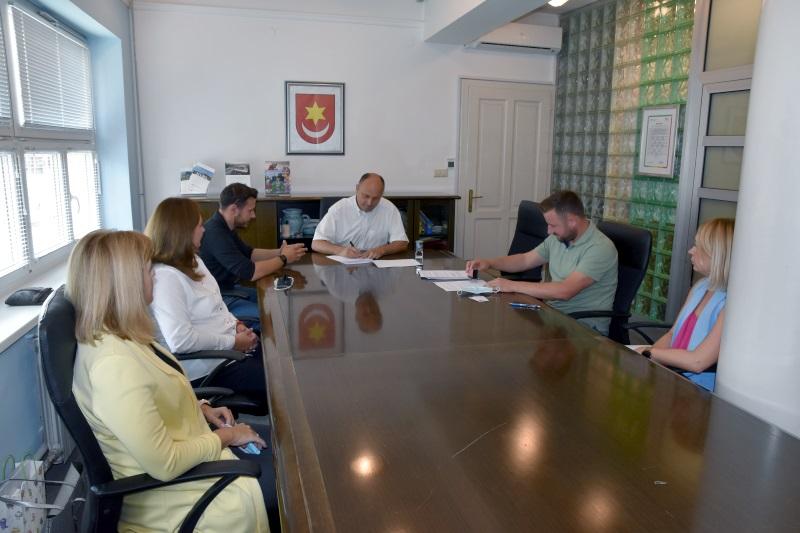 Potpisan ugovor o izgradnji Višenamjenskog sportskog parka u Svetom Ivanu Zelini