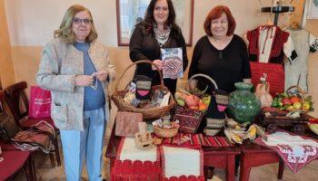Održana izložba povijesnih fotografija, makedonske grnčarije, tkanica i vina