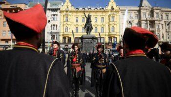 Dan kravate obilježen postavljanjem kravate na Jelačićev kip