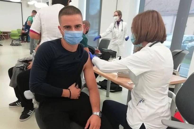 🎦 Kreće cijepljenje trećom dozom cjepiva: Neki od pacijenata već se javljaju svojim liječnicima