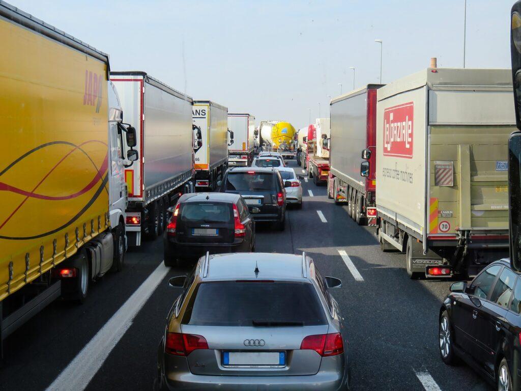 Cijeli svijet u prometnom kolapsu: Naručite danas da stigne za Božić