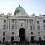 Austrijski predsjednik otvorio palaču za cijepljenje stotina ljudi