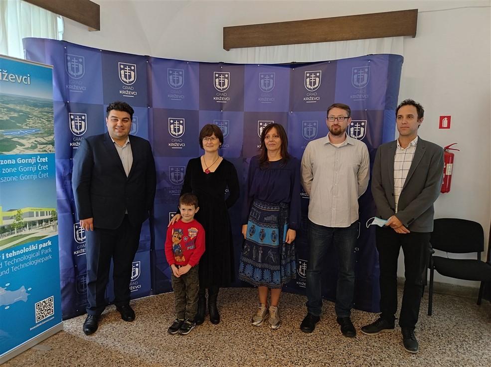 Gradonačelnik Rajn upriličio prijem za Sandru Poštić i Martinu Valić-Rebić, najuspješnije djelatnice u obrazovanju u školskoj godini 2020./2021.